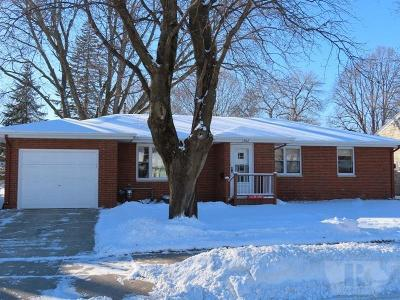 Mason City Single Family Home For Sale: 1302 N Hampshire Avenue