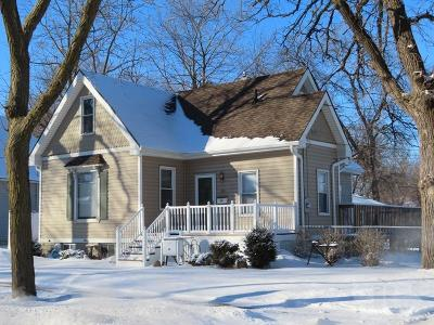 Mason City Single Family Home For Sale: 20 9th NW