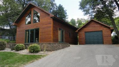 Clear Lake IA Single Family Home For Sale: $214,900