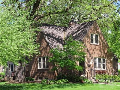 Mason City Single Family Home For Sale: 836 N Hampshire Avenue