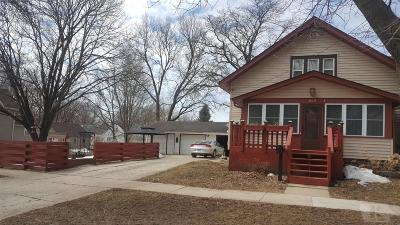 Mason City Single Family Home For Sale: 604 S Massachusetts