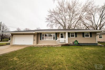 Mason City Single Family Home For Sale: 205 S Tennesse Place