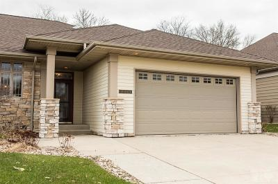 Mason City Condo/Townhouse For Sale: 2200 Country Club Dr.