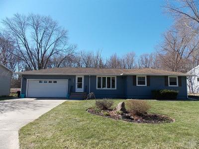 Mason City Single Family Home For Sale: 1853 Springview Drive