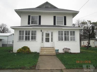 Britt Single Family Home For Sale: 238 1st Street NE