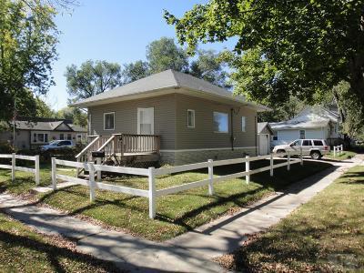 Mason City Single Family Home Active-Contingent: 1532 N Pennsylvania Avenue