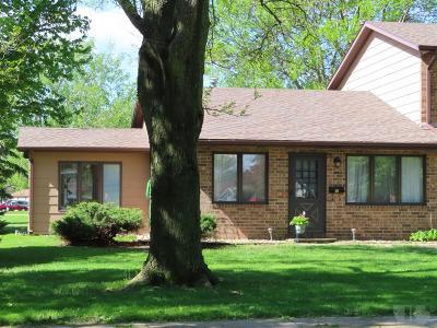 Mason City Condo/Townhouse For Sale: 3415 Brandywine Road