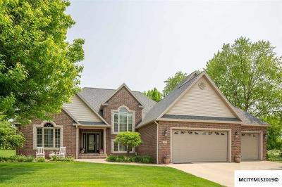 Mason City Single Family Home For Sale: 2225 Country Club Drive