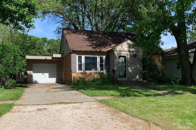 Clear Lake Single Family Home For Sale: 208 S 12th Street