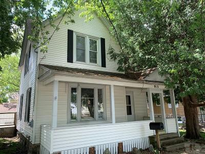 Clear Lake Single Family Home For Sale: 913 Main Avenue