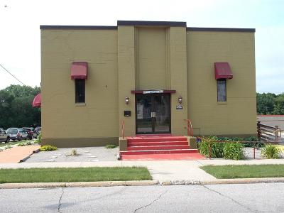 Mason City Commercial For Sale: 203 1st Street SW