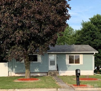 Mason City Single Family Home For Sale: 831 N Pierce Avenue