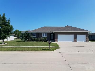 Mason City Single Family Home For Sale: 1228 Moonstone Ct.