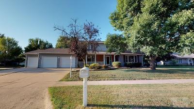 Mason City Single Family Home For Sale: 330 Woodbine