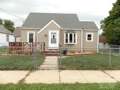 Mason City Single Family Home For Sale: 1308 2nd Street SE
