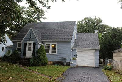 Mason City Single Family Home For Sale: 606 10th Street NE