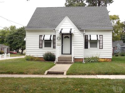 Mason City Single Family Home For Sale: 1404 N Hampshire Place