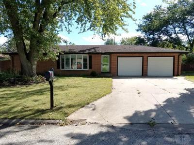 Mason City Single Family Home For Sale: 1709 Hillcrest Dr