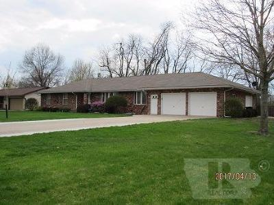 Wapello County Single Family Home For Sale: 1595 N Van Buren