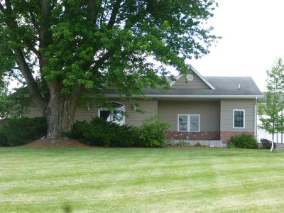 Wapello County Single Family Home For Sale: 16303 Bluegrass