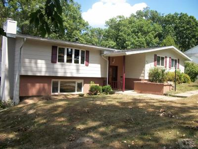 Wapello County Single Family Home For Sale: 37 Woodshire