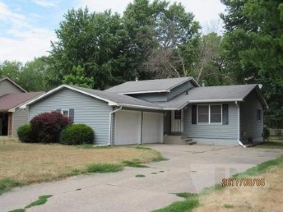 Wapello County Single Family Home For Sale: 615 Edwards Drive
