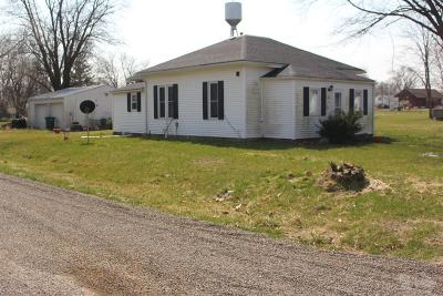Van Buren County Single Family Home For Sale: 210 East Delaware