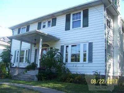 Wapello County Single Family Home For Sale: 210 Pennsylvania