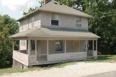 Wapello County Single Family Home For Sale: 210 Timber Street