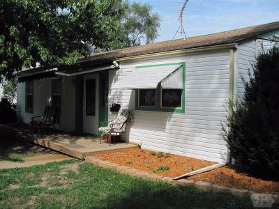 Wapello County Single Family Home For Sale: 946 South James