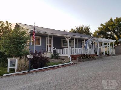 Keokuk County Single Family Home For Sale: 900 E Jackson Street