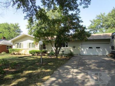 Fairfield Single Family Home For Sale: 1005 Hillcrest