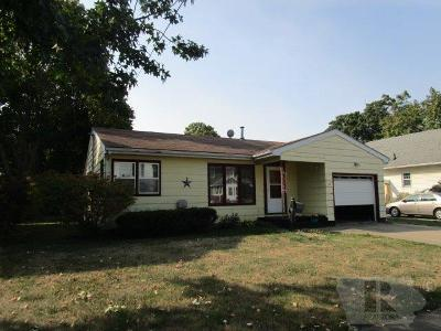 Fairfield IA Single Family Home For Sale: $118,000