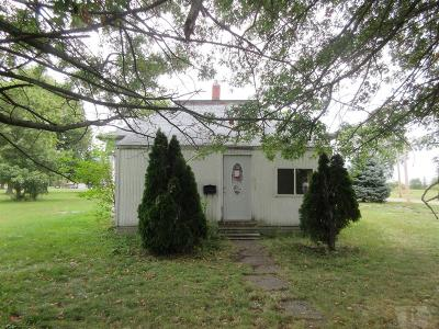 Keokuk County Single Family Home For Sale: 402 Hursey Street