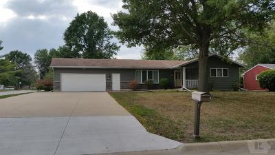 Wapello County Single Family Home For Sale: 15 Schwartz Dr