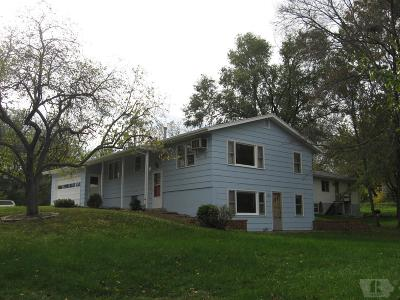 Fairfield IA Single Family Home For Sale: $129,900