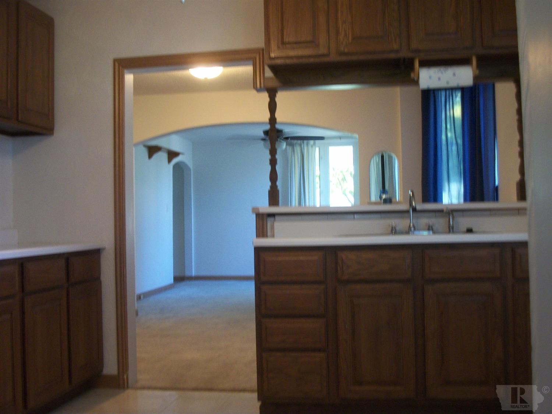 Listing: 504 Lake Drive, Ottumwa, IA.| MLS# 20167669 | Jefferson ...