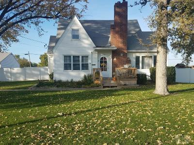 Wapello County Single Family Home For Sale: 1329 Mowrey