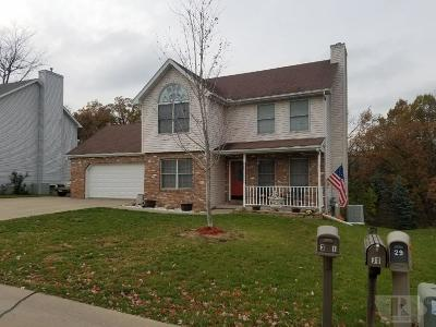 Wapello County Single Family Home For Sale: 31 Cambridge Court