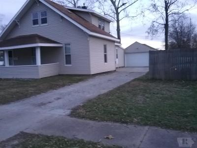 Wapello County Single Family Home For Sale: 524 Queen Anne