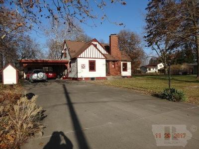 Wapello County Single Family Home For Sale: 415 Bryan Road