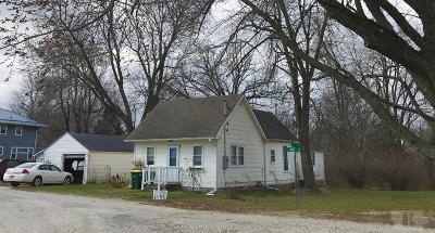 Keokuk County Single Family Home For Sale: 209 Half Street