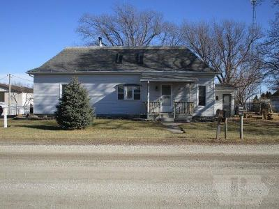 Packwood IA Single Family Home For Sale: $94,500
