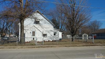 Wapello County Single Family Home For Sale: 601 E Finley