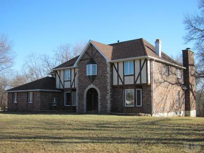 Wapello County Single Family Home For Sale: 8 Birchwood Heights
