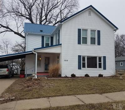 Wapello County Single Family Home For Sale: 1215 Castle Street