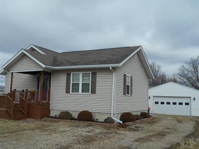 Wapello County Single Family Home For Sale: 105 Hill Avenue
