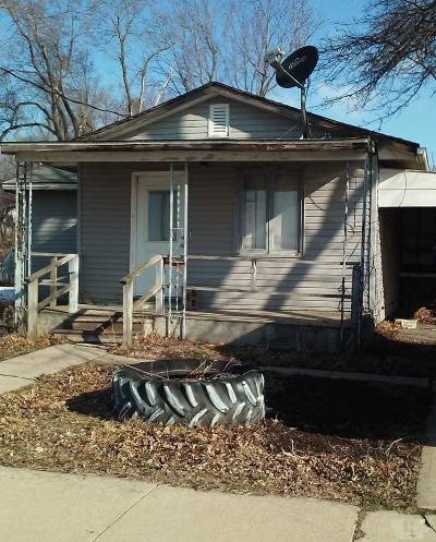 Wayne County Single Family Home For Sale: 105 W Main Street