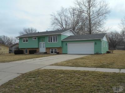 Wapello County Single Family Home For Sale: 516 W Rochester