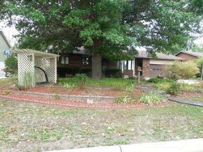 Wapello County Single Family Home For Sale: 2831 Oak Meadow